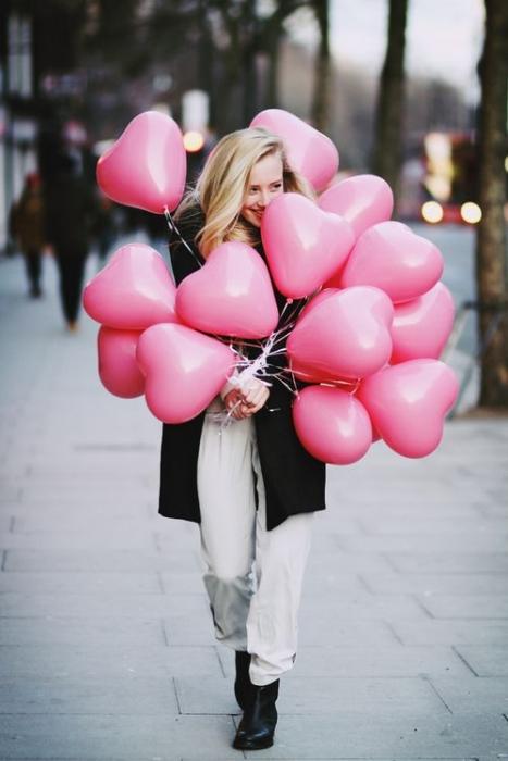 Kırmızı Kalp Uçan Balon